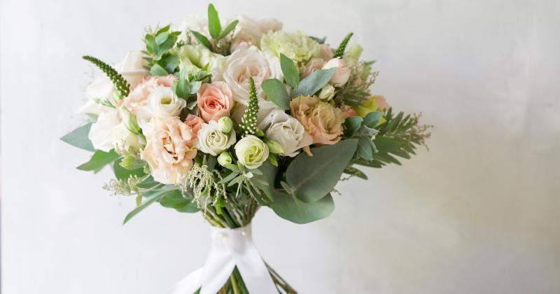 Albertsons' Altar Ego: Expands Own Brands With New Online Wedding Floral Program