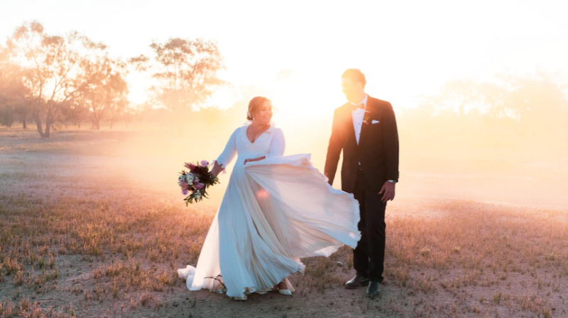 Outback bride stuns in 15kg merino wool wedding dress