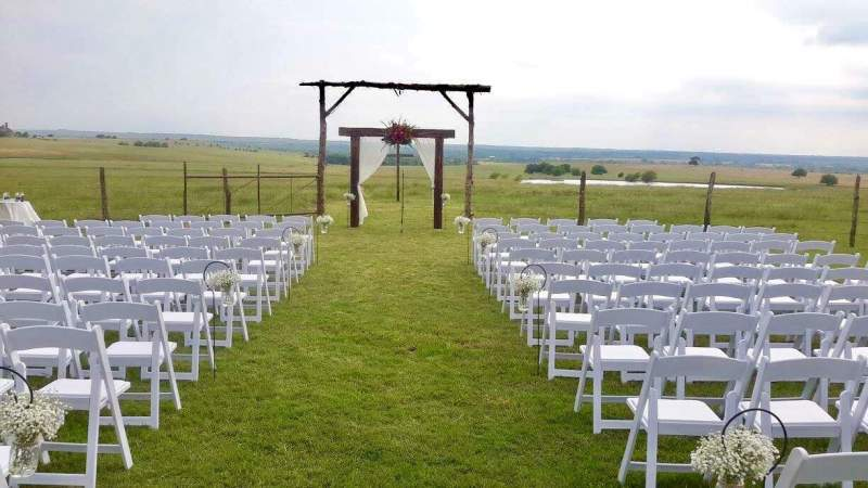 KEEPING THEIR VOWS Texas wedding venues looking toward future after months of closure