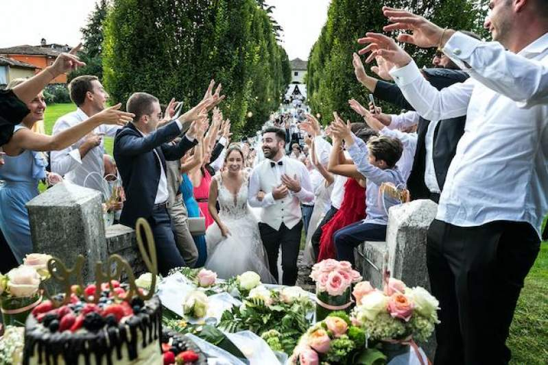 Decision expected on attendance of 100 people at Irish weddings