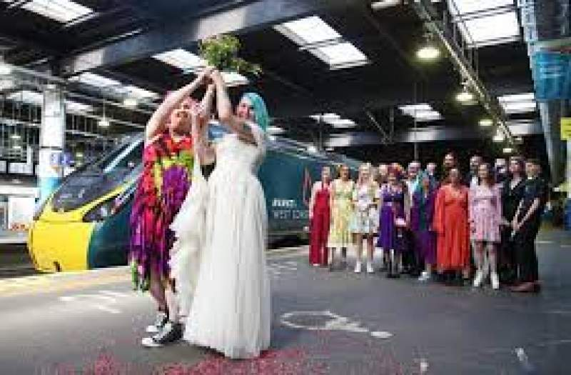 Hitched at high speed: Wedding celebration onboard Avanti West Coast Marriage Carriage goes full steam ahead