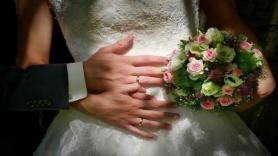 Single Turks say they would always wear wedding rings