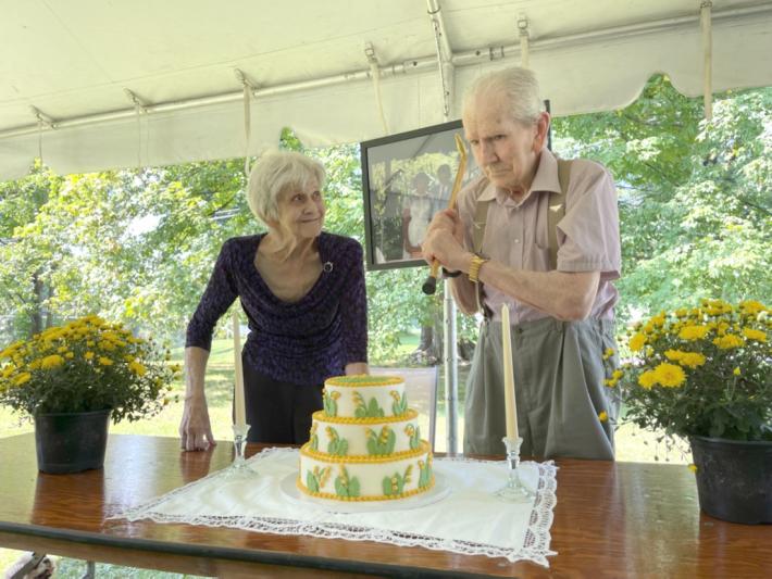 Osborns celebrate 70th wedding anniversary
